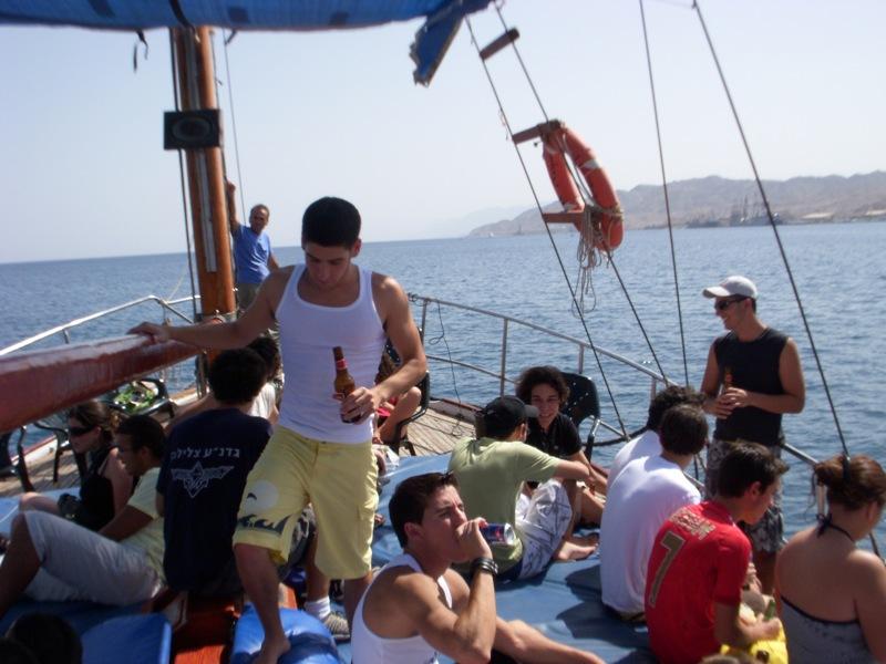 מסיבת רווקים בים