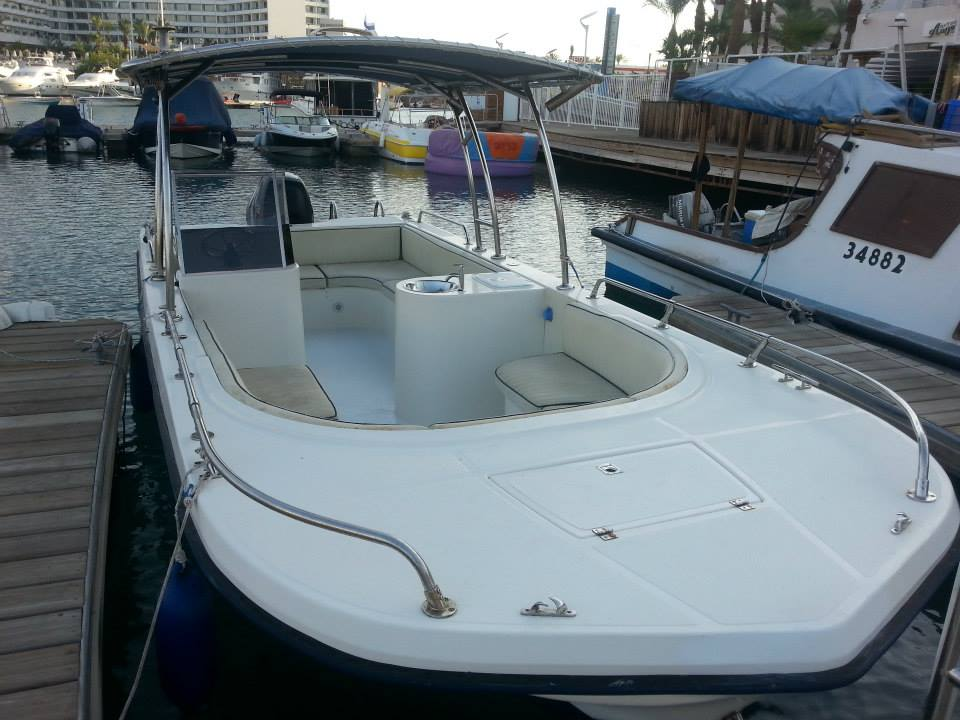 סירה בכנרת